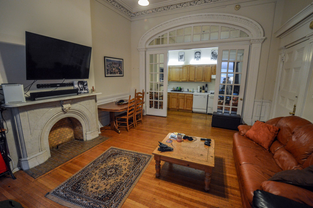 Brownstones Beautiful Vintage Apartments